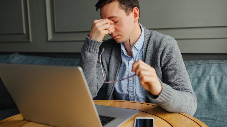 Lo stress può causare la perdita dei capelli?